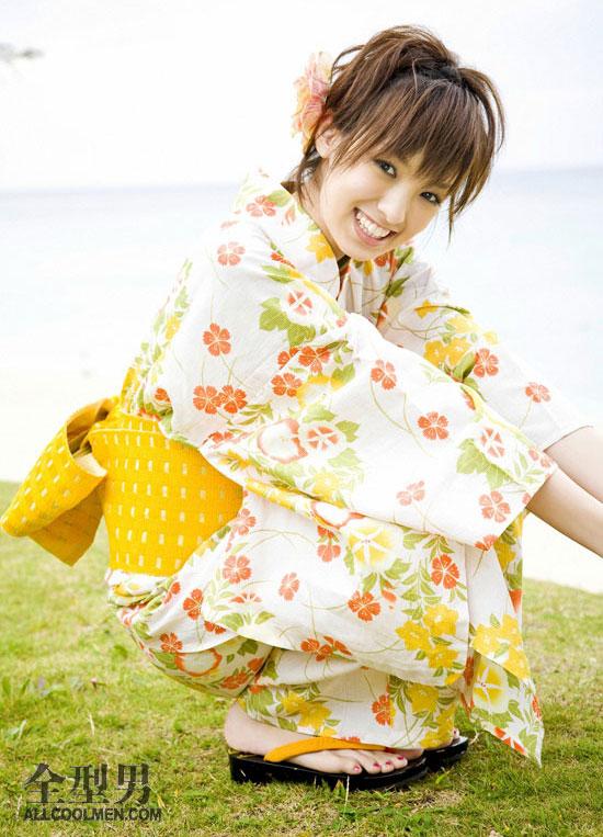 手绘日本和服美女