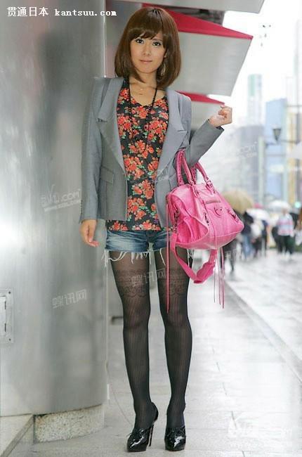 日本街头美女丝袜的诱惑
