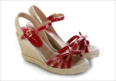 Vernice坡跟凉鞋-2011最流行的凉鞋