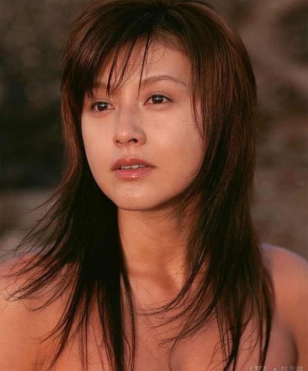 日本杂志读者票选 最想看到的男女明星裸体