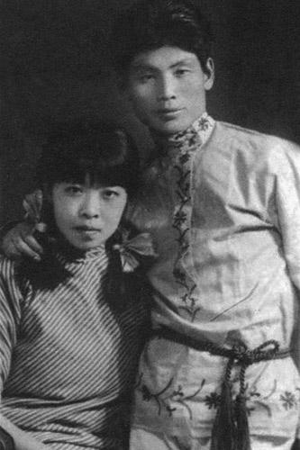 作家萧红_回忆那些奋笔疾书、放声呐喊的作家和文学青年-文学-东北网龙文化