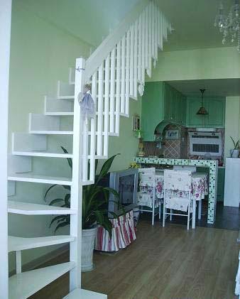 小跃层楼梯装修图